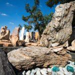 מצבות מסלעים מיוחדים