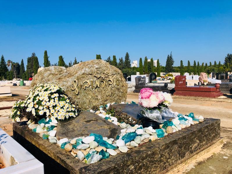 מצבות יפות מיוחדות אומן כפר הסלעים שיש מצבה מחיר