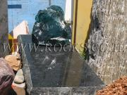 מצבות מסלע זכוכית